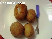 Boiled Potato In Microwave step 1