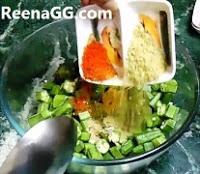 Bhindi in Microwave step 3