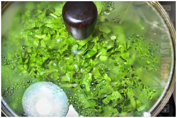 spinach potato gravy step 4